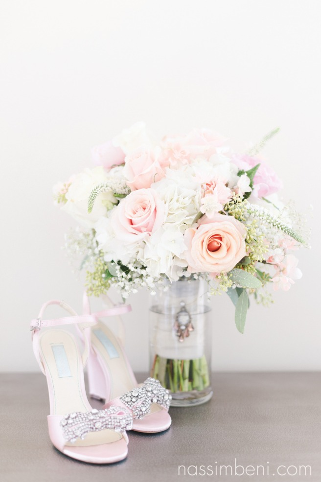 Sarandipity bouquet and blush pink Betsey Johnson wedges with diamond bows at Bellewood Plantation in Vero Beach Florida by Nassimbeni Photography