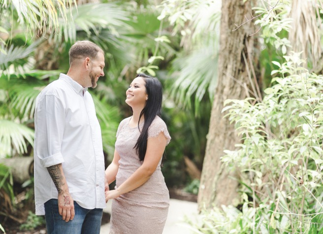 McKee-botanical-gardens-engagement-photos-by-central-florida-photographer-karen-nassimbeni-of-nassimbeni-photogrpahy-9