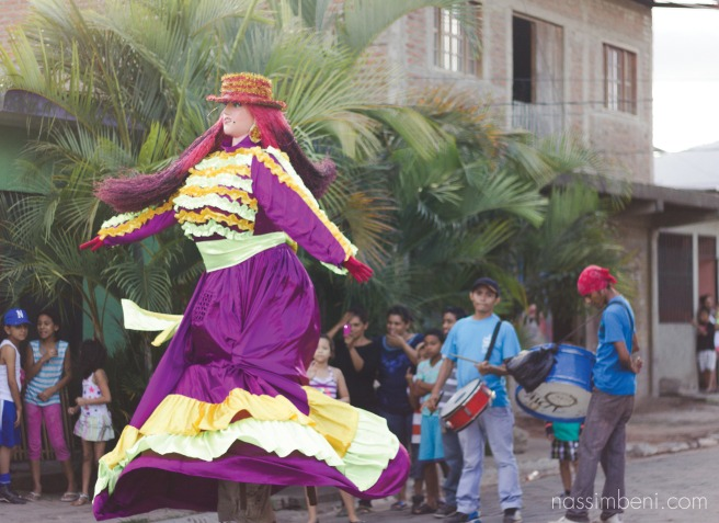 La gigantona preforms dance in the streets of esteli nciaragua