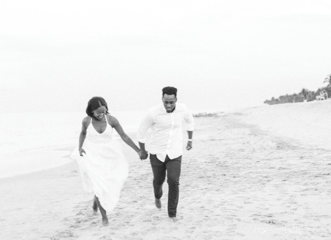 west palm beach engagement session near worth avenue by nassimbeni photography