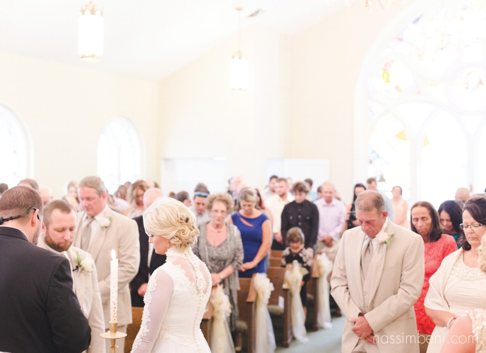 overview of wedding ceremony by nassimbeni photography at first united methodist church