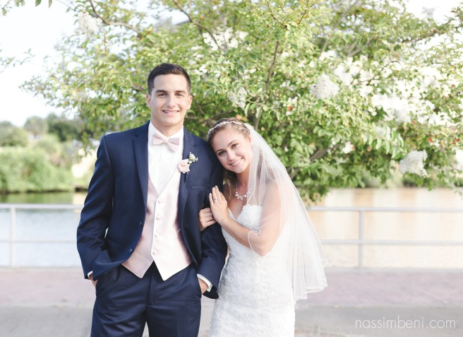 crane creek promenade park photos of bride and groom by nassimbeni photography