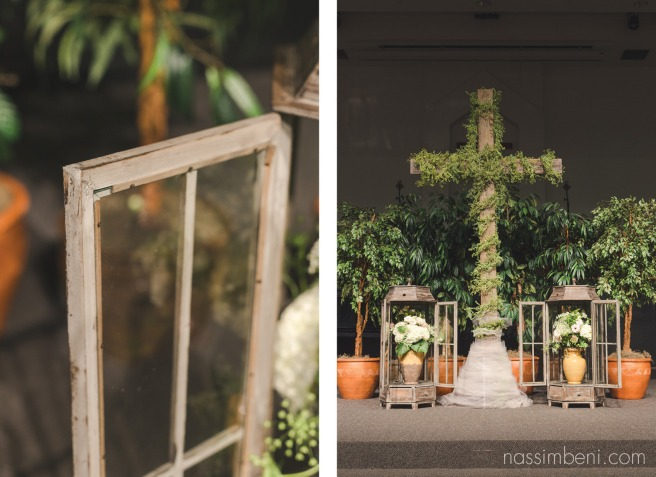 wedding cross alter at first baptist church of Melbourne by nassimbeni photography