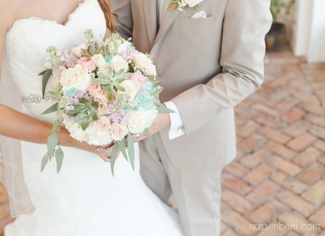 bride and groom at bellewood plantation with giordano florals by Nassimbeni Photography