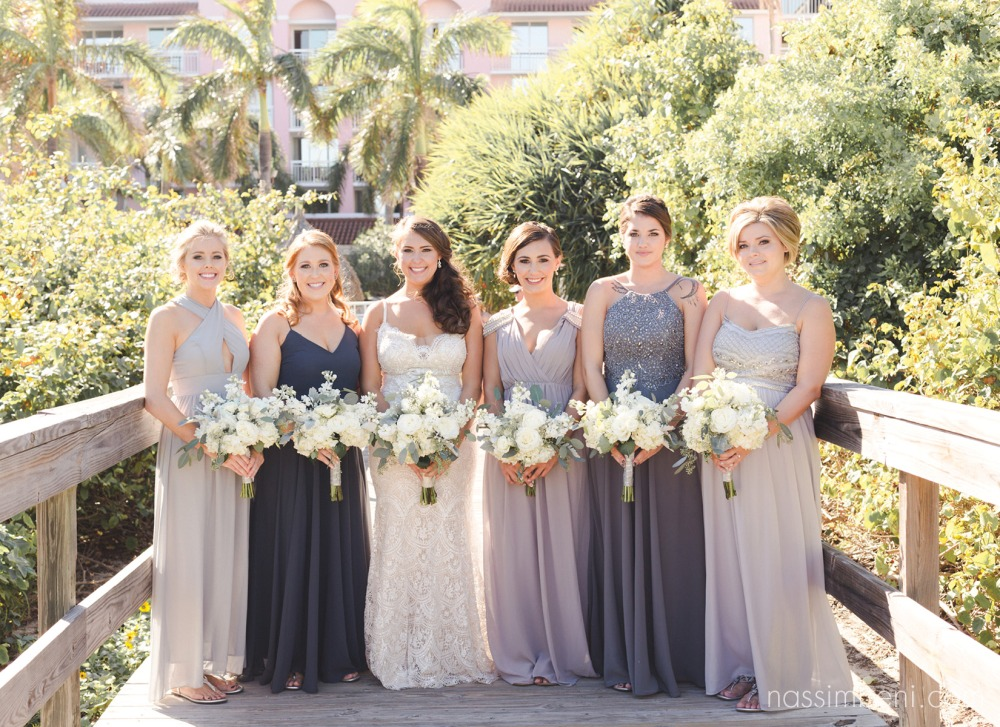 brides at palm beach shores resort with giordanos floral creations bouquets by nassimbeni photography