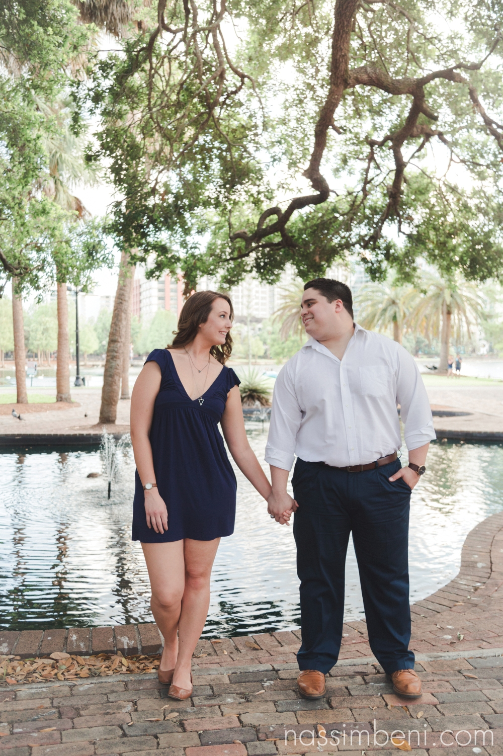 Lake-Eola-engagment-photos-nassimbeni-photography-3