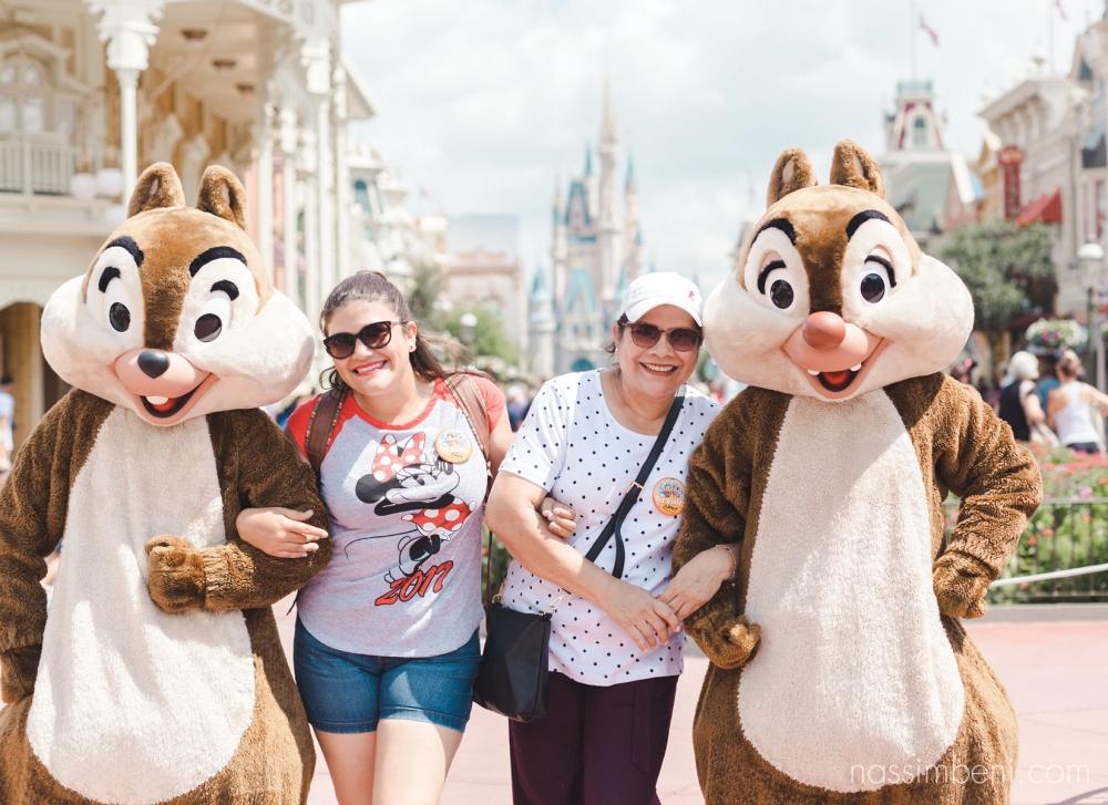 con chip y dale en Disney world orlando